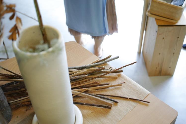 不定期にオープンする花と台湾茶の店「Kala 好花好茶」が、北浜のスパサロン「silta」にて7/20開催。花、器、茶、スイーツ、香りにまつわる出展者が集う。