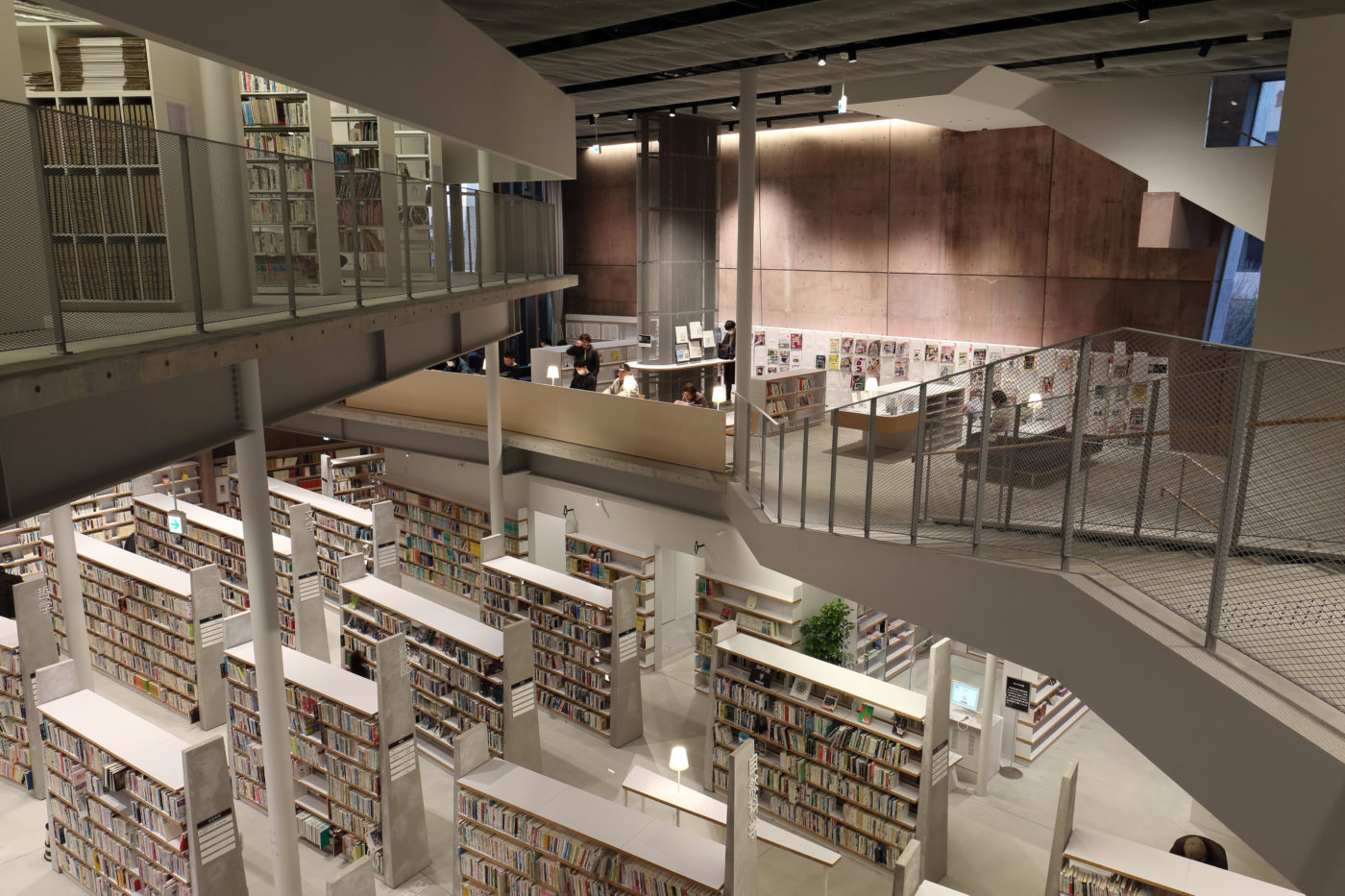 建築設計:MARU。architecture+鴻池組「読書の森(松原図書館)」