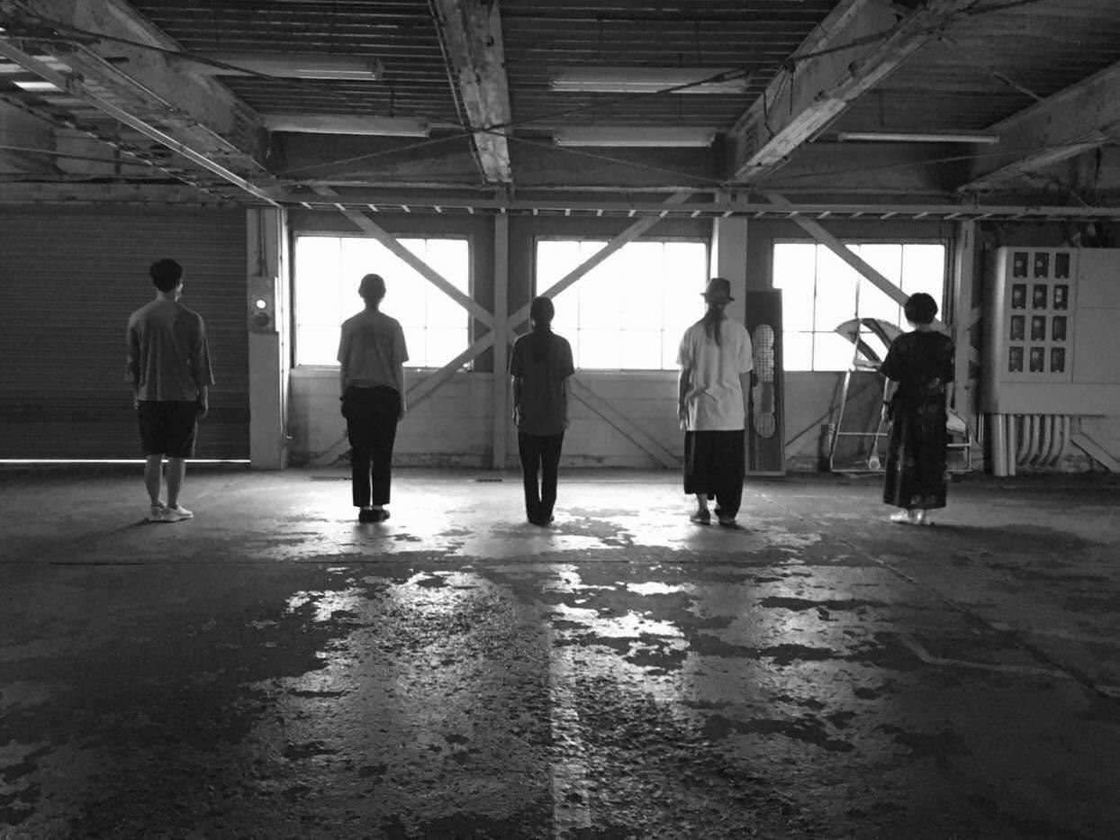維新派解散後に平野舞が立ち上げた芸術活動体「孤独の練習」の公演「Lost & Found」、音ビルにて開催。