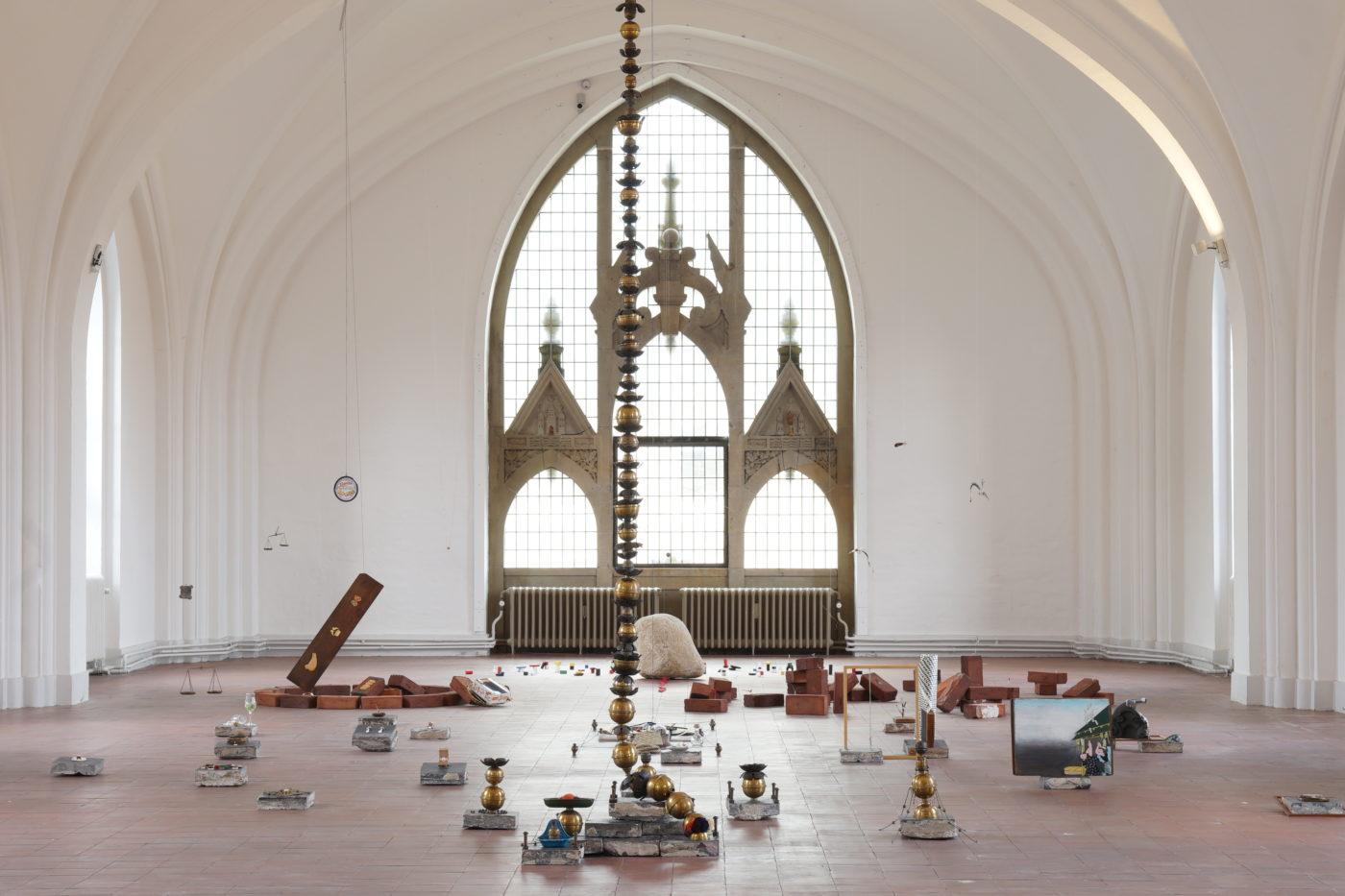 """大阪を拠点に活動する美術家、Yukawa-Nakayasuが、奈良の""""藤間家住宅改修中""""アートプロジェクトにて個展「追想のモンタージュ」を開催。"""