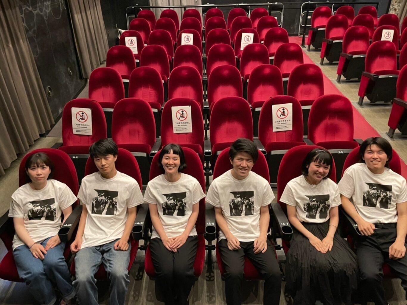 関西のミニシアターの魅力を発信する学生団体「映画チア部」が、シネ・ヌーヴォ支援Tシャツの販売を開始。
